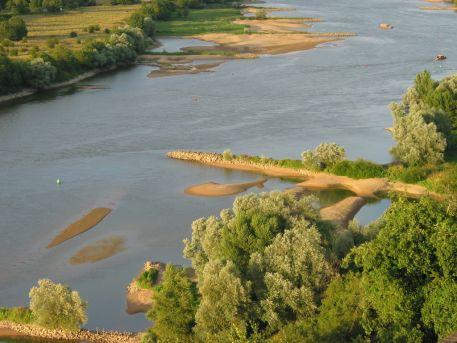 Epis de Loire dans le chenal de navigation