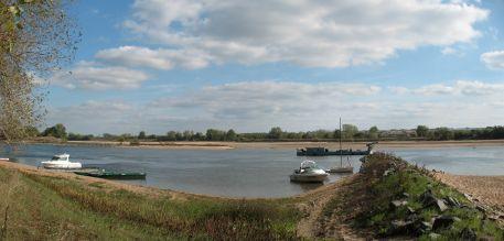 La Loire à l'étiage à Montrelais